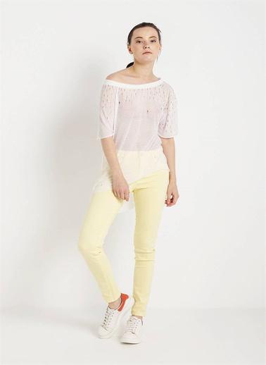 Love'n Fashion Paris Yırtık Detaylı T-Shirt Beyaz